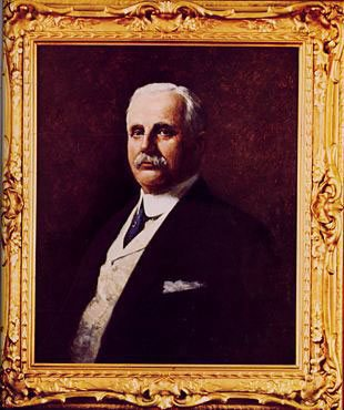 Frank Winfield Woolworth (1852-1919) - the portrait in oils that adorned the Empire Room in the Woolworth Building, Frank's old office. (Frank would appreciate the exceptionally fine ornate gold-gilt frame!)