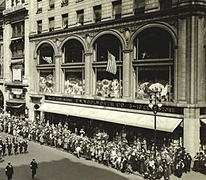 In 1917 Frank Woolworth aimed to prove that his 5 & 10¢ formula could prosper in America's most fashionable shopping street, marking his thousandth opening with a grand superstore in Fifth Avenue. Image with special thanks to New York Public Libraries (NYPL)