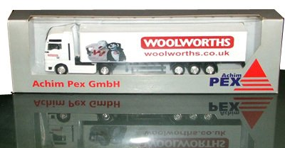The Wooly and Worth livery only appeared on a small number of Woolworths' lorries from 2006 onwards.