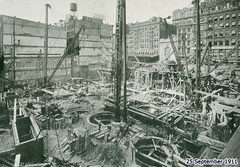 The sinking of the foundation caissons of the Woolworth Building pictured on 25 September 1911 (From 'Engineering' Magazine, 5 January 1917
